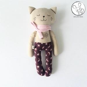 Alvó cica, csillagos nadrágban - textil figura, játék állat, puha baba, designer fejlesztő játék (boGarkrea) - Meska.hu