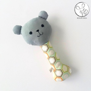 Maci csörgő, méhsejt mintás, szürke - bébi játék, textil figura, designer fejlesztő játék - Meska.hu