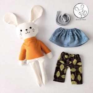 Lujzi, az öltöztethető nyuszi lány - szoknyával, nadrággal, pulóverrel és sállal, Játék & Gyerek, Plüssállat & Játékfigura, Nyuszi, A nyuszi testét és ruháit pamut anyagból varrtam saját szabásminta alapján, puha poliészter tömőanya..., Meska