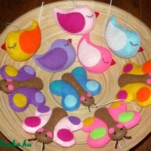 Pillangós-madárkás díszek, Dekoráció, Otthon & lakás, Dísz, Varrás, Egy kedves vásárlóm elképzelései alapján készültek ezek a vidám színű madárkák és pillangók.\nA csoma..., Meska