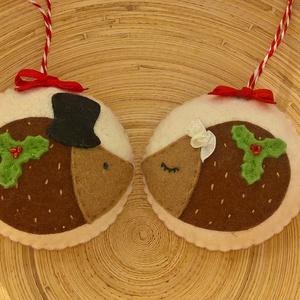 Sünipár  karácsonyfadísz, Dekoráció, Otthon & lakás, Ünnepi dekoráció, Karácsony, Varrás, Kiváló minőségű gyapjúfilc anyagból  100%-ban kézi varrással édes kis sünipárt készítettem. (2db/cso..., Meska