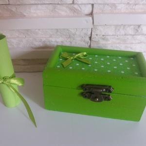 Vidám fa dobozka - limezöld színben, Díszdoboz, Dekoráció, Otthon & Lakás, Festett tárgyak, Mindenmás, Vidám színben pompázó fa dobozka zöld színben, pöttyös filc betétekkel.\n\nTökéletes ajándékozáshoz, a..., Meska