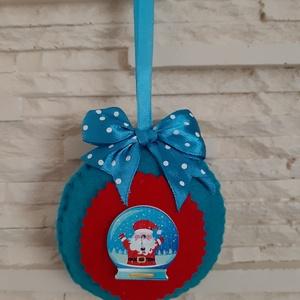 Filc karácsonyi dísz - hógömbös télapó, Karácsony & Mikulás, Karácsonyfadísz, Mindenmás, Varrás, Vidám, élénk színekben pompázó téli, karácsonyi dekoráció, melyet feltehetünk karácsonyfánkra, bejár..., Meska