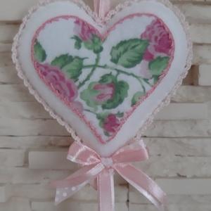 Rózsás, különleges filc dísz - Meska.hu