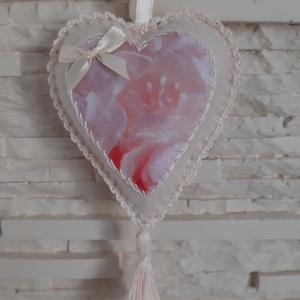 Szívecske filc dekoráció - halvány rózsaszín rózsás, Otthon & Lakás, Falra akasztható dekor, Dekoráció, Mindenmás, Varrás, Meska