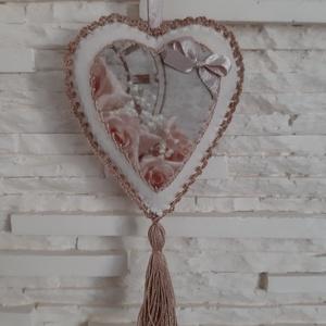 Szívecske filc dekoráció - vintage, rózsás, Otthon & Lakás, Falra akasztható dekor, Dekoráció, Mindenmás, Varrás, Meska