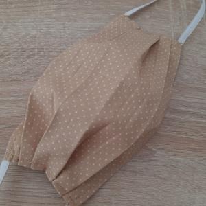 Drótos textil arcmaszk hölgyeknek - bézs tűpettyes, Egyéb, NoWaste, Textilek, Varrás, Az ár 1 db maszkra vonatkozik!\n\nTextil maszk hölgyeknek, az orrnál drótos megoldással, amely így sze..., Meska