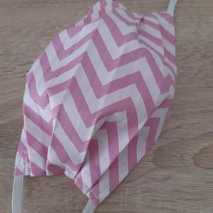 Női textil arcmaszk - fehér, rózsaszín cikk-cakkal - Meska.hu