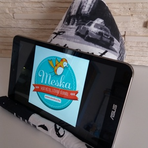 Tablet, telefon és kütyütartó párna - nagyvárosok, fehér és szürke színvilágban - táska & tok - laptop & tablettartó - Meska.hu