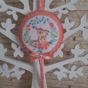 Puha filc dekoráció - őzike mama kis őzikével, barack színvilágban, Otthon & Lakás, Dekoráció, Falra akasztható dekor, Varrás, Mindenmás, Meska