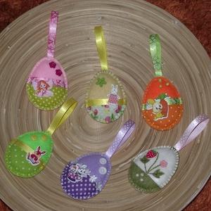 Vegyes tojások húsvéti barkadísz (014.), Otthon & lakás, Dekoráció, Ünnepi dekoráció, Húsvéti díszek, Varrás, A tojásokat filcből varrtam, szalagokkal és gombokkal díszítettem!\nBelsejét vatelinnel tömtem ki. \n\n..., Meska