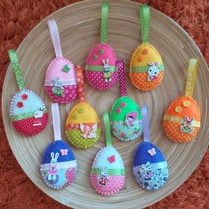 AKCIÓS!!!! Húsvéti barkadísz - Vegyes tojások (025.), Otthon & Lakás, Dísztárgy, Dekoráció, A csomag 10 darab tojást tartalmaz! 3900 Ft helyett 2950 Ft  A tojásokat filcből varrtam, szalagokka..., Meska