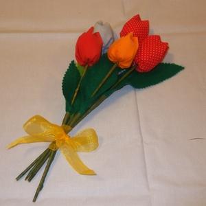 Textil tulipáncsokor, Otthon & Lakás, Csokor & Virágdísz, Dekoráció, Öt szál textiltulipán egy csokorban nagyon szép ünnepi köszöntő lehet Anyák Napjára, ballagásra, óvó..., Meska