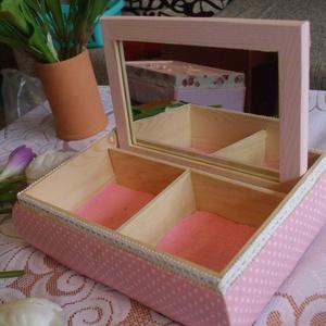 Rózsaszín kis tükrös doboz (bogyika17) - Meska.hu