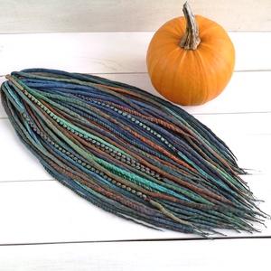 Őszi erdő gyapjú raszta szett, Narancs, barna, zöld, szürke színű felfonható 30 duplaszálas műraszta (bohofreelucy) - Meska.hu