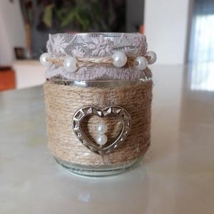 """Ezüstszív - aranyos mécsestartó üveg , Otthon & lakás, Dekoráció, Dísz, Lakberendezés, Gyertya, mécses, gyertyatartó, Újrahasznosított alapanyagból készült termékek, Gyöngyfűzés, gyöngyhímzés, \""""Ezüstszív\""""  aranyos kis üveg mécsestartó, szív, gyöngy és csipke díszítéssel.\n\""""Madzag-technikával\"""" ..., Meska"""