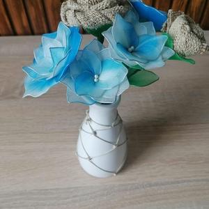 Kék virágcsokrok - virágcsokor asztaldísz, nyár, nyári asztaldísz, tengeri, Otthon & Lakás, Dekoráció, Csokor & Virágdísz, Kék árnyalattal készítettem vázás virágcsokrokat, melyeket ajánlom a közelgő nyári szezonra való tek..., Meska