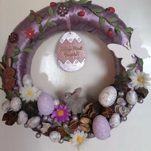 Lila nyuszis virágos ajtódísz - húsvét, tavasz, lila, zöld, Otthon & Lakás, Dekoráció, Ajtódísz & Kopogtató, Mindenmás, Festett tárgyak, A képeken látható húsvéti motívumokkal díszített ajtókoszorú remekül díszíti otthonunkat a tavaszi h..., Meska