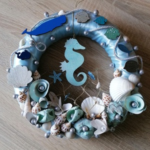 Kék csikóhalas nyári ajtódísz, kopogtató - nyári dísz, dekor, ajtóra, Otthon & Lakás, Dekoráció, Ajtódísz & Kopogtató, A képeken látható nyári motívumokkal díszített ajtókoszorú remekül díszíti otthonunkat a nyári hónap..., Meska