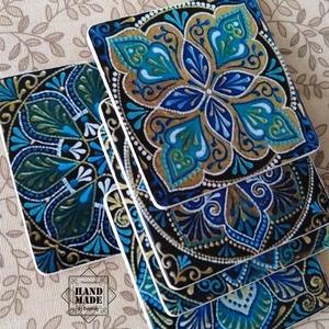 Krémfehér hátú poháralátétek türkiz csempemintás előlappal - a hasonló színvilágú kínálótálcához - otthon & lakás - konyhafelszerelés - tányér- és poháralátét - Meska.hu