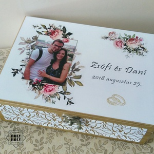 Romantic rose - esküvői pénzátadó doboz dombormintával, Esküvő, Emlék & Ajándék, Nászajándék, Decoupage, transzfer és szalvétatechnika, Festett tárgyak, Elegáns, romantkius pénzátadó doboz, oldalán dombor mintával. \nAz esküvő után ebbe gyűjthetők a megm..., Meska