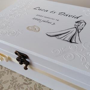 Szerelem - esküvői pénzátadó doboz dombormintával, Esküvő, Emlék & Ajándék, Nászajándék, Decoupage, transzfer és szalvétatechnika, Festett tárgyak, Elegáns, romantkius pénzátadó doboz, fedelén dombor mintával, oldalán szalag teszi tökéletessé. \nAz ..., Meska