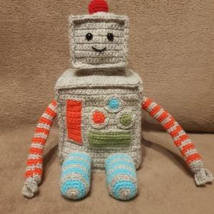 Robi  a szuperrobot , Játék & Gyerek, Plüssállat & Játékfigura, Robot & Gép, Horgolás, Kötés, Megismerhetsz egy szuper robotfickót! Minden kalandra elkísér, ha megbízol benne :) \n\nBármilyen szín..., Meska