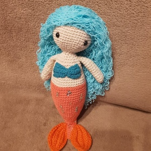 Ariel a hableány, Gyerek & játék, Játék, Játékfigura, Plüssállat, rongyjáték, Horgolás, Kötés, Türkizkék hajú  hableány, kedves, igazi társ lehet. Dús haja csak úgy lebeg utána, amit be is fonhat..., Meska