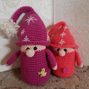 Karácsonyi manókák , Karácsony, Karácsonyi dekoráció, Horgolás, Manókák karácsonyra. Kisebb és nagyobb manókák megrendelésre készülhetnek :) \n\nAz ár egy darabra von..., Meska