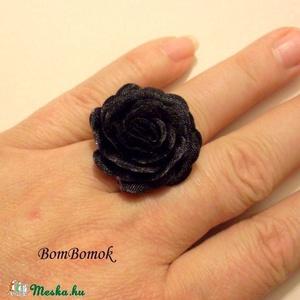 szépséges rózsás gyűrű (BomBomok) - Meska.hu