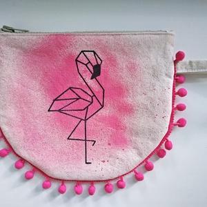 Flamingó neszeszer, Táska, Divat & Szépség, Táska, Szépség(ápolás), Fürdőszobai kellék, Kozmetikum, Neszesszer, Festett tárgyak, Varrás, Nyers vászonból készült vidám neszeszer, melyet saját kezűleg rajzoltam, festettem. A belseje hozzá ..., Meska