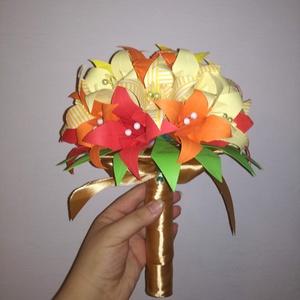 Papír virágcsokor papír liliomokból, Esküvő, Esküvői csokor, Dekoráció, Otthon & lakás, Csokor, Papírművészet, Kézzel hajtogatott papír liliomokból készült virágcsokor. 25 db egyedileg hajtott virágból áll össze..., Meska