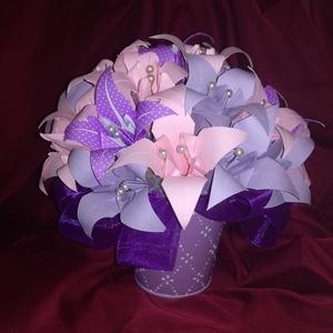 Papírliliomokból készült csokor kaspóban, Dekoráció, Otthon & lakás, Dísz, Esküvő, Esküvői dekoráció, Papírművészet, Kb. 30 egyedileg kézzel készített papírliliomokból készített virágcsokor kaspóban. \n\nHarmonizáló szí..., Meska