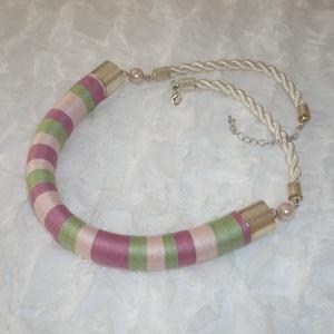 Pasztell - zöld, rózsaszín, mályva Twist fonal nyaklánc, Ékszer, Nyaklánc, Statement nyaklánc, Ékszerkészítés, AKCIÓ!!!\n10.000 Ft feletti vásárlás esetén nincs postaköltség!\n\n\nA visszafogott színek kedvelőinek a..., Meska