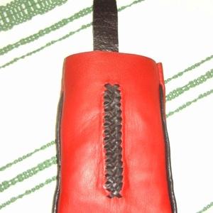 Piros-fekete telefontartó (borboszi) - Meska.hu