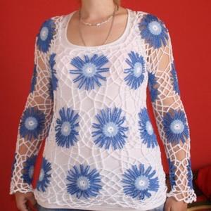 nyári horgolt felső, Ruha & Divat, Női ruha, Pulóver & Kardigán, Hatalmas kék virágok vannak rajta.  Fehér trikóval felvéve nagyon szép. Télen hosszú ujjúval is jó. ..., Meska