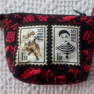 PARIS bélyegekkel díszített, piros-fekete mintás - kis neszeszer, pénztárca - táska & tok - neszesszer - Meska.hu