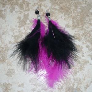 Pink-fekete toll füli, Rojtos fülbevaló, Fülbevaló, Ékszer, Ékszerkészítés, Újabb toll fülbevalót készítettem a vagányabb (ám könnyű) ékszerek kedvelőinek, most fekete és ciklá..., Meska