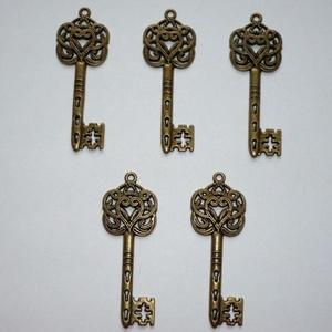 Nagy inda mintás réz vintage kulcs függők (medálok) - 5db (Boriboszi) - Meska.hu