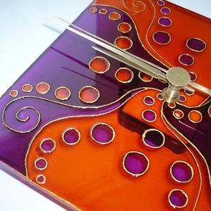 Narancs, lila egyedi festett üveg falióra, Dekoráció, Otthon & lakás, Lakberendezés, Falióra, óra, Festett tárgyak, Üvegművészet, A kacskaringós minták kedvelőinkek készítettem ezt a narancs-lila üvegórát.\nA mintát néhány éve terv..., Meska