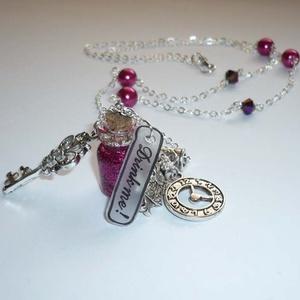 Igyál meg! - Alice in Wonderland sorozat - ezüst nyaklánc ciklámen üvegcsével (Boriboszi) - Meska.hu