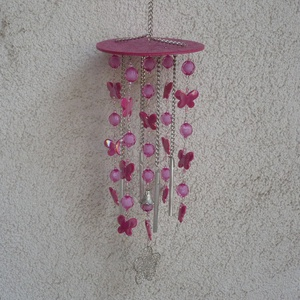 Egyedi, nagy, pillangós rózsaszín szélcsengő, Lakberendezés, Otthon & lakás, Dekoráció, Kerti dísz, Festett tárgyak, Gyöngyfűzés, gyöngyhímzés, Ezt az óriás szélcsengőt alaposan megterveztem, és aprólékosan készítettem el:\nkb.50-60db szerelőpál..., Meska