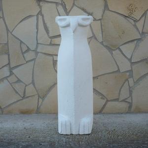 Nagy bagoly - egyedileg kézzel faragott kültéri szobor (60cm magas) , Otthon & lakás, Képzőművészet, Lakberendezés, Kerti dísz, Kőfaragás, Szobrászat, Fontos!\nKizárólag április-szeptember időszakban rendelhető!\nA termék elkészítési ideje függ az időjá..., Meska
