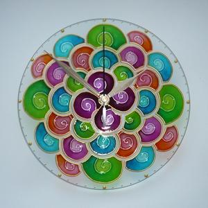 Tavaszi Merengő - egyedi festett mandala üveg falióra, Otthon & lakás, Lakberendezés, Falióra, óra, Festett tárgyak, Üvegművészet, A tavaszi-nyári buborék-fújás könnyedségét és vidámságát juttatja eszembe ez a mandala...\nElmerülünk..., Meska