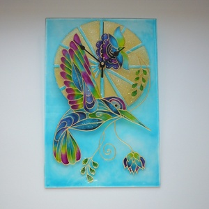 Kolibri - egyedi festett üveg falióra, Otthon & lakás, Lakberendezés, Falióra, óra, Festett tárgyak, Üvegművészet, Tudtad? 2018 volt a madarak éve!\n\nEz a kolibri óra Sabine Desian mintája nyomán, azt átdolgozva és ..., Meska