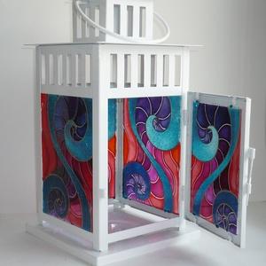 Színes lámpás - egyedi festett üveg gyertyatartó, Otthon & Lakás, Lámpa, Hangulatlámpa, Festett tárgyak, Üvegművészet, Saját minta alapján festettem, egymással harmonizáló türkiz, lila, korall színekkel, íves, csigavona..., Meska