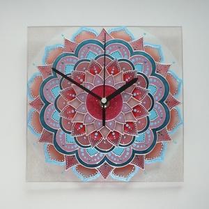 Pasztell korall-rózsaszín-teal Mandala - egyedi festett négyszögletes mandala üveg falióra, Otthon & lakás, Lakberendezés, Falióra, óra, Festett tárgyak, Üvegművészet, Nagyon díszes, sok helyen csillámokkal díszített, elegáns, mandalát festettem, ezúttal sokféle paszt..., Meska
