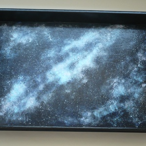 Galaxis tálca - egyedi, festett nagy fa tálca 30x40, Otthon & Lakás, Konyhafelszerelés, Tálca, Festett tárgyak, Festészet, Galaxis hangulatú tálca - azoknak, akik elvágyódnak.... :)\n\n30x40cm-es fa tálcát festettem akrilfest..., Meska