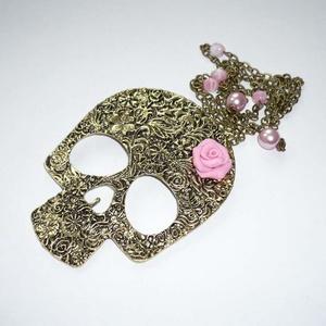 Virágos réz vintage-steampunk koponya rózsaszín rózsával - hosszú nyaklánc, Ékszer, Nyaklánc, Újabb retro-vintage-steampunk nyakláncot varázsoltam, ezúttal hatalmas, virágos mintázatú koponya fü..., Meska