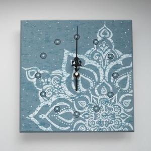 Vintage mandala - egyedi, festett fa falióra, Otthon & lakás, Dekoráció, Lakberendezés, Falióra, óra, Festett tárgyak, Festészet, Azoknak, akik nem szokványos lakásdekorációkat keresnek.... :)\n\nNormál méretű mdf faóralapot festett..., Meska
